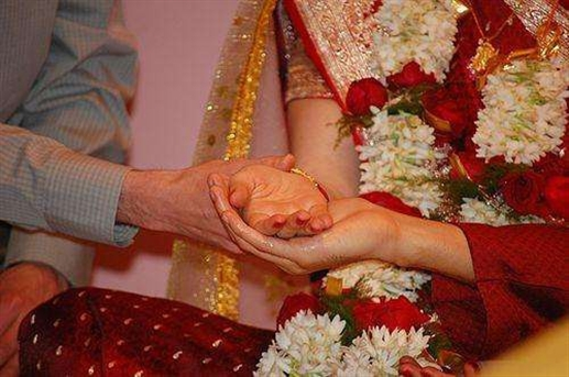 The number of graduate girls will increase with the age of marriage