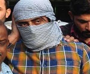 Delhi Riots : ਹੈੱਡ ਕਾਂਸਟੇਬਲ 'ਤੇ ਪਿਸਤੌਲ ਤਾਨਣ ਵਾਲੇ ਦੋਸ਼ੀ ਸ਼ਾਹਰੁਖ਼ ਨੇ ਕੋਰਟ 'ਚ ਵੀ ਦਿਖਾਈ ਹੇਕੜੀ, ਜਾਂਚ ਨੂੰ ਦੱਸਿਆ ਢੌਂਗ