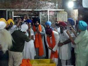 Navjot Sidhu arrives in Morinda welcomed by Cabinet Minister Channi pays homage at Gurdwara Kotwali Sahib |