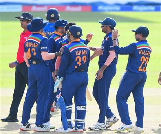 Ind vs SL 3rd ODI Sri Lanka won the last ODI by 3 wickets India won the series 2 1