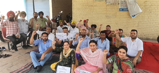 Punjab Government Transport Workers chanted slogans against the government|ਪੰਜਾਬ ਗੌਰਮਿੰਟ ਟਰਾਂਸਪੋਰਟ ਵਰਕਰਜ਼ ਨੇ ਸਰਕਾਰ ਖਿਲਾਫ ਕੀਤੀ ਨਾਅਰੇਬਾਜ਼ੀ