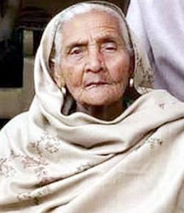 Internationally renowned Punjabi poet Azim Shekhar shocked, mother dies