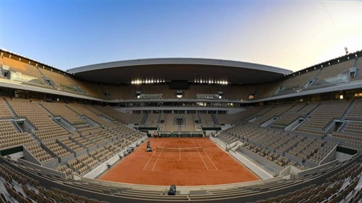 Decreased the number of spectators for the French Open