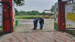 ਸਕੂਲਾਂ 'ਚ ਪਰਤੀਆਂ ਰੌਣਕਾਂ, ਜ਼ਿਲ੍ਹਾ ਸਿੱਖਿਆ ਅਫ਼ਸਰ ਨੇ ਦਿੱਤੀ ਵਧਾਈ
