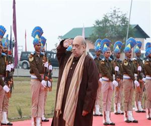 Home Minister Amit Shah ਨੇ ਪੁਲਵਾਮਾ ਸ਼ਹੀਦਾਂ ਨੂੰ ਦਿੱਤੀ ਸ਼ਰਧਾਂਜਲੀ, ਕਿਹਾ - ਇਹ ਬਲਿਦਾਨ ਸਾਡੇ ਸੰਕਲਪ ਨੂੰ ਹੋਰ ਦ੍ਰਿੜ੍ਹ ਕਰਦਾ ਹੈ