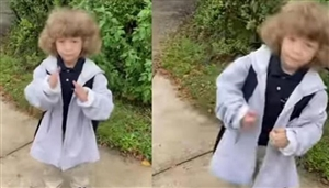 Cute Dance Moves of a child waiting for a bus at the bus stop to go to school went viral, watch the video | ਬੱਚੇ ਦੇ Cute Dance Moves ਹੋਏ ਵਾਇਰਲ
