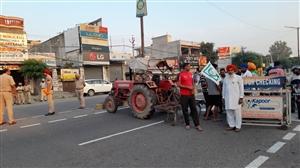 Jalandhar Live Updates: Farmers blocking roads at various places in support of Bharat Bandh in Jalandhar, know the state of the city | ਜਲੰਧਰ 'ਚ ਭਾਰਤ ਬੰਦ ਦੇ ਸਮਰਥਨ ਦੌਰਾਨ ਵੱਖ-ਵੱਖ ਥਾਵਾਂ 'ਤੇ ਰਾਹ ਰੋਕ ਖੜ੍ਹੇ ਕਿਸਾਨ
