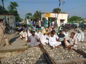Bharat Bandh In Fazilka: ਭਾਰਤ ਬੰਦ ਦਾ ਫਾਜ਼ਿਲਕਾ 'ਚ ਦੇਖਣ ਨੂੰ ਮਿਲਿਆ ਅਸਰ , ਪੂਰੀ ਤਰ੍ਹਾਂ ਬਾਜ਼ਾਰ ਬੰਦ