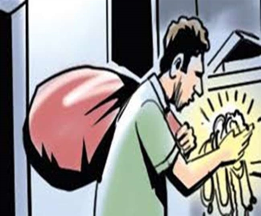 Lakhs of rupees worth of clothes stolen from factory by breaking locks