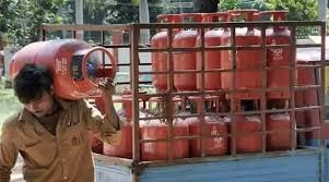 Free booking of LPG cylinders till January 31 know what this special offer is