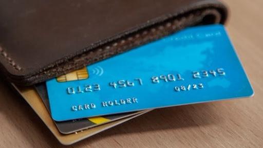 What does the 16 digit number on a debit card mean | ਡੈਬਿਟ ਕਾਰਡ 'ਤੇ ਦਿੱਤੇ ਗਏ 16 ਡਿਜਿਟ ਦੇ ਨੰਬਰ ਦਾ ਕੀ ਮਤਲਬ ਹੁੰਦਾ ਹੈ? ਜਾਣੋ ਇਨ੍ਹਾਂ ਵਿਚ ਕਿਹੜਾ ਰਾਜ਼ ਲੁਕਿਆ ਹੁੰਦੈ