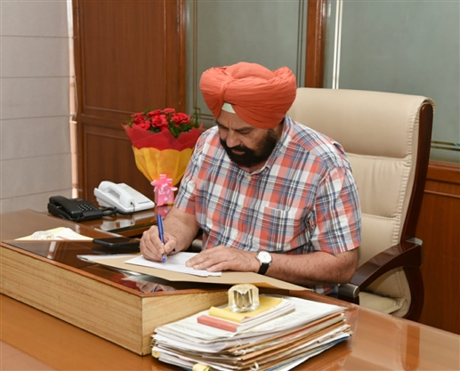 Sukhbinder Singh Sarkaria takes over as Cabinet Minister