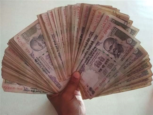 Husband and wife can get a pension of up to Rs 10000 per month