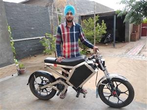 ਇਹ ਮੋਟਰਸਾਈਕਲ 12 ਰੁਪਏ 'ਚ ਚੱਲਦੈ 50 ਕਿਲੋਮੀਟਰ, ਪੰਜਾਬ ਦੇ ਨੌਜਵਾਨ ਨੇ ਬਣਾਇਆ ਬਿਨਾਂ ਤੇਲ ਤੋਂ ਚੱਲਣ ਵਾਲਾ Bike