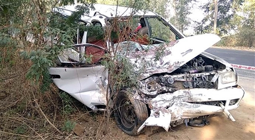 eight girls injured and one died in road accident near bhikhi