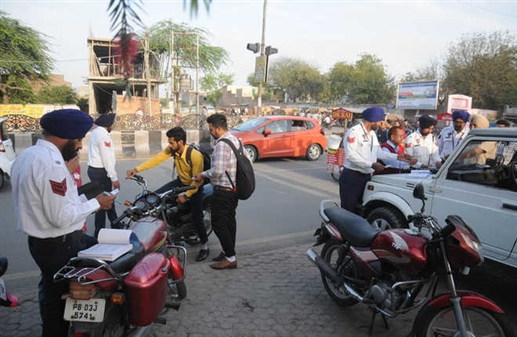 Challan started without high security number plate fine will be two thousand rupees